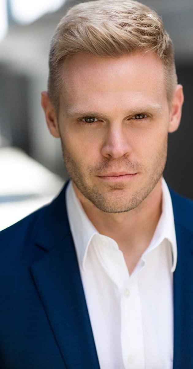 Tom Walker - IMDb