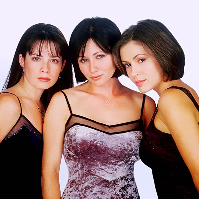 Alyssa Milano, Holly Marie Combs, and Shannen Doherty in Charmed (1998)