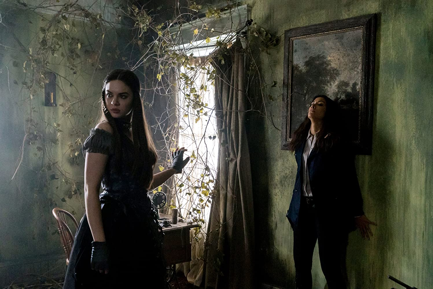 Janina Gavankar and Courtney Lakin in Sleepy Hollow (2013)