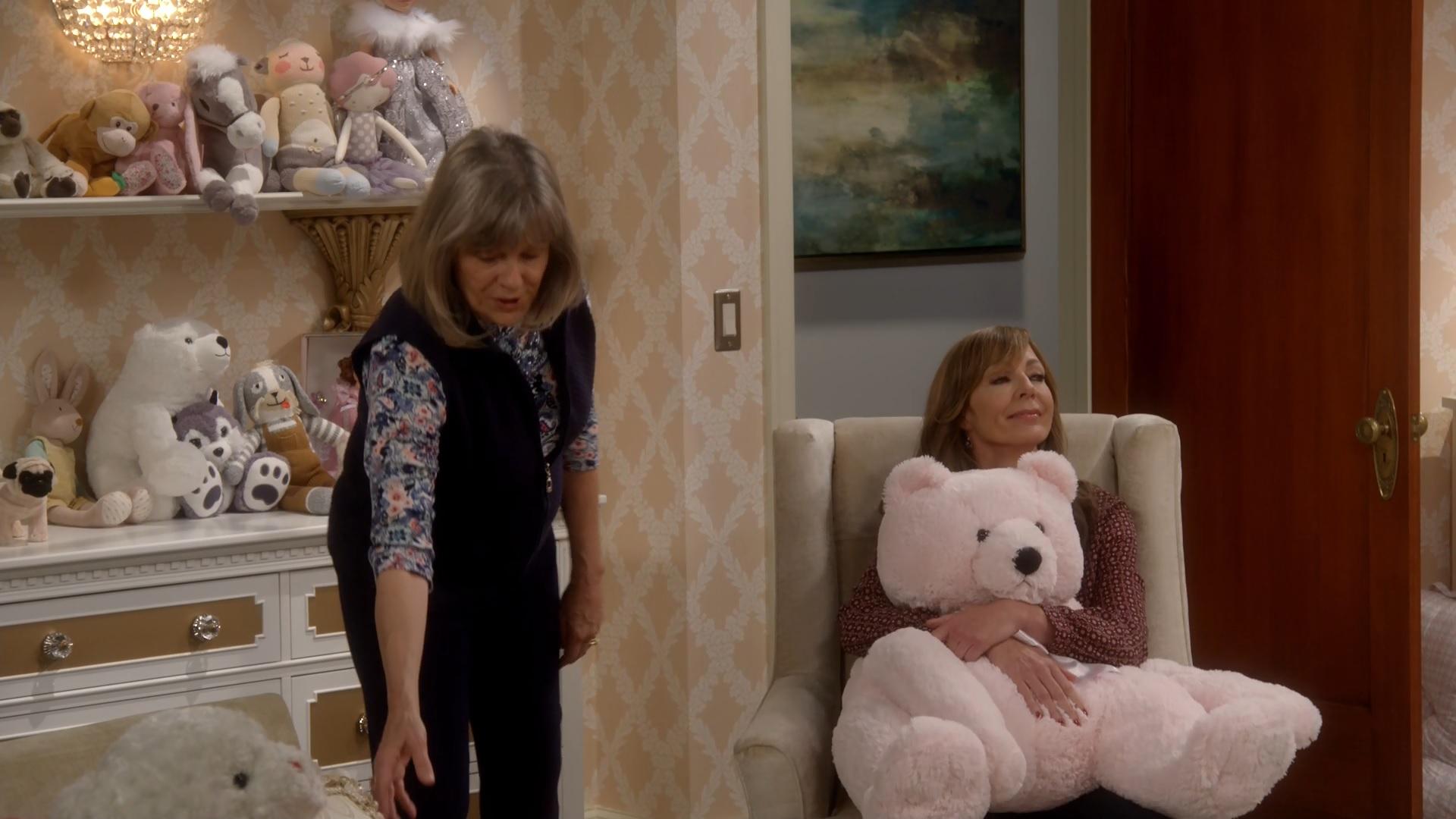 Mom: A Safe Word and a Rib Eye | Season 4 | Episode 10