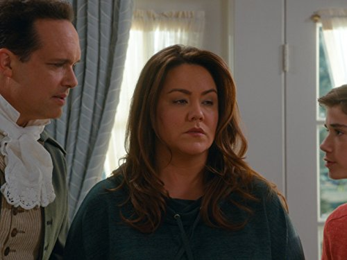 Diedrich Bader, Katy Mixon, and Daniel DiMaggio in American Housewife (2016)