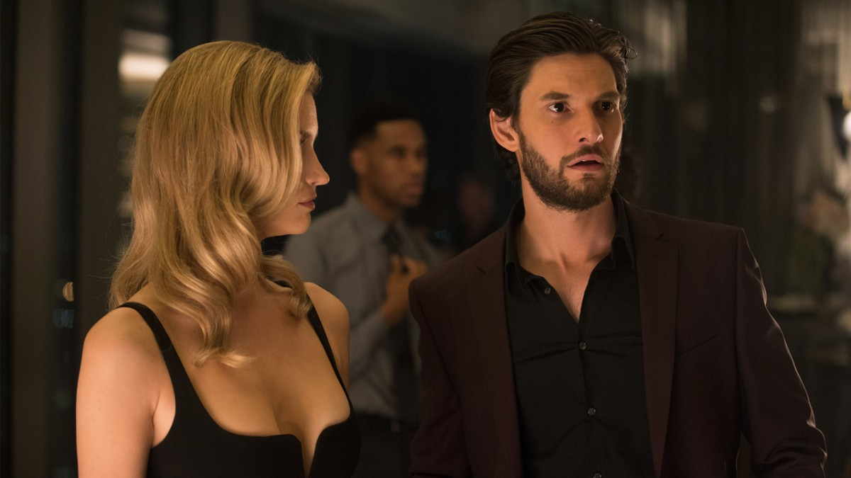 Talulah Riley and Ben Barnes in Westworld (2016)