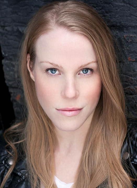 Pictures & Photos of Emma Myles - IMDb