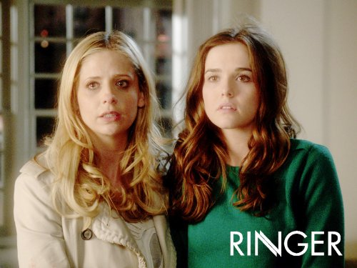 Sarah Michelle Gellar and Zoey Deutch in Ringer (2011)