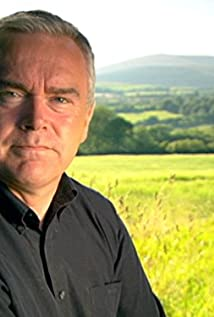 Huw Edwards Picture