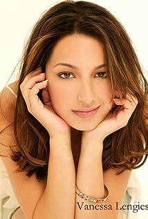 Vanessa Lengies Picture