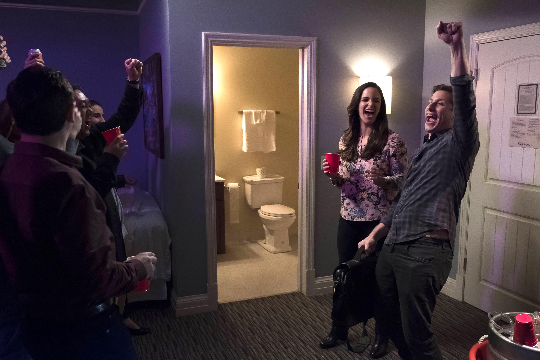 Brooklyn Nine-Nine: Cop-Con | Season 4 | Episode 17