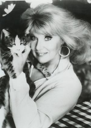 Pictures & Photos of Sheila MacRae - IMDb