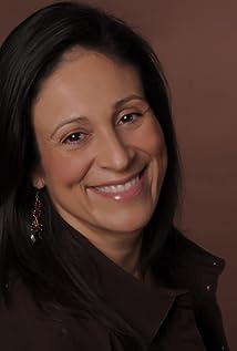 Elizabeth Avellan Picture