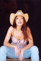 Mikki Padilla's primary photo