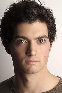 Aktori David Alpay