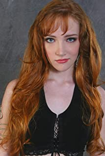 Scarlett Pomers Picture