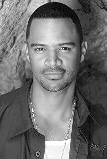 Dondre Whitfield Picture