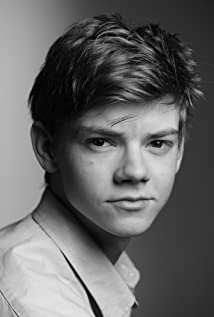 Thomas Brodie-Sangster Picture