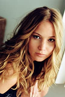 Jennifer Lawrence Pict...