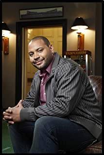 The 40-year old son of father (?) and mother Kari Dunn Buron, 182 cm tall Colton Dunn in 2018 photo