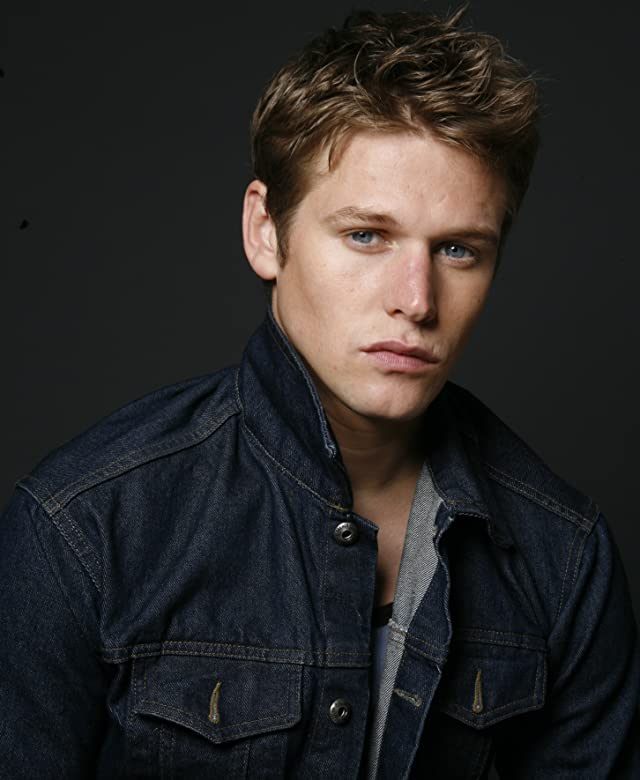 Pictures & Photos of Zach Roerig - IMDb