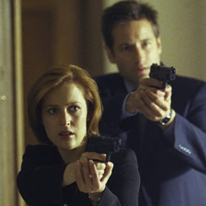 Gillian Anderson and David Duchovny in The X-Files (1993)