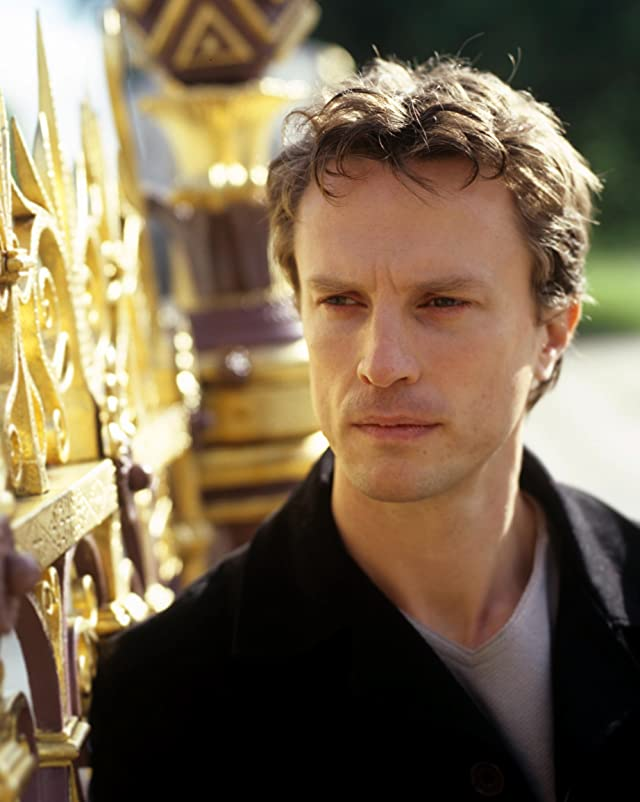 Pictures & Photos of Jonathan Firth - IMDb
