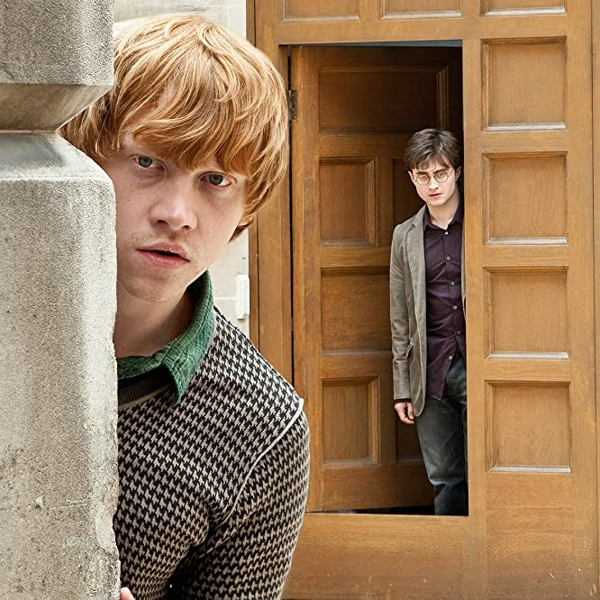 Rupert Grint and Daniel Radcliffe in Harry Potter and the Deathly Hallows: Part 1 (2010)