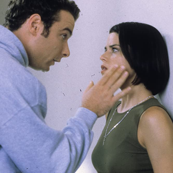 Neve Campbell and Liev Schreiber in Scream 2 (1997)