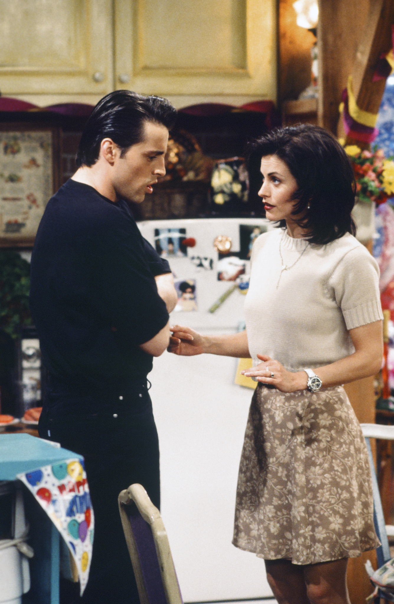 Friends: The One Where Rachel Finds Out | Season 1 | Episode 24