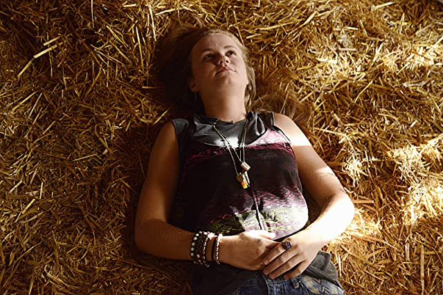 Pictures & Photos of Mackenzie Lintz - IMDb