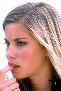 Brooke Satchwell Picture