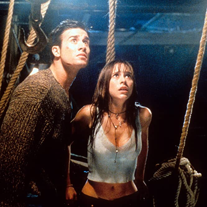 Jennifer Love Hewitt and Freddie Prinze Jr. in I Know What You Did Last Summer (1997)