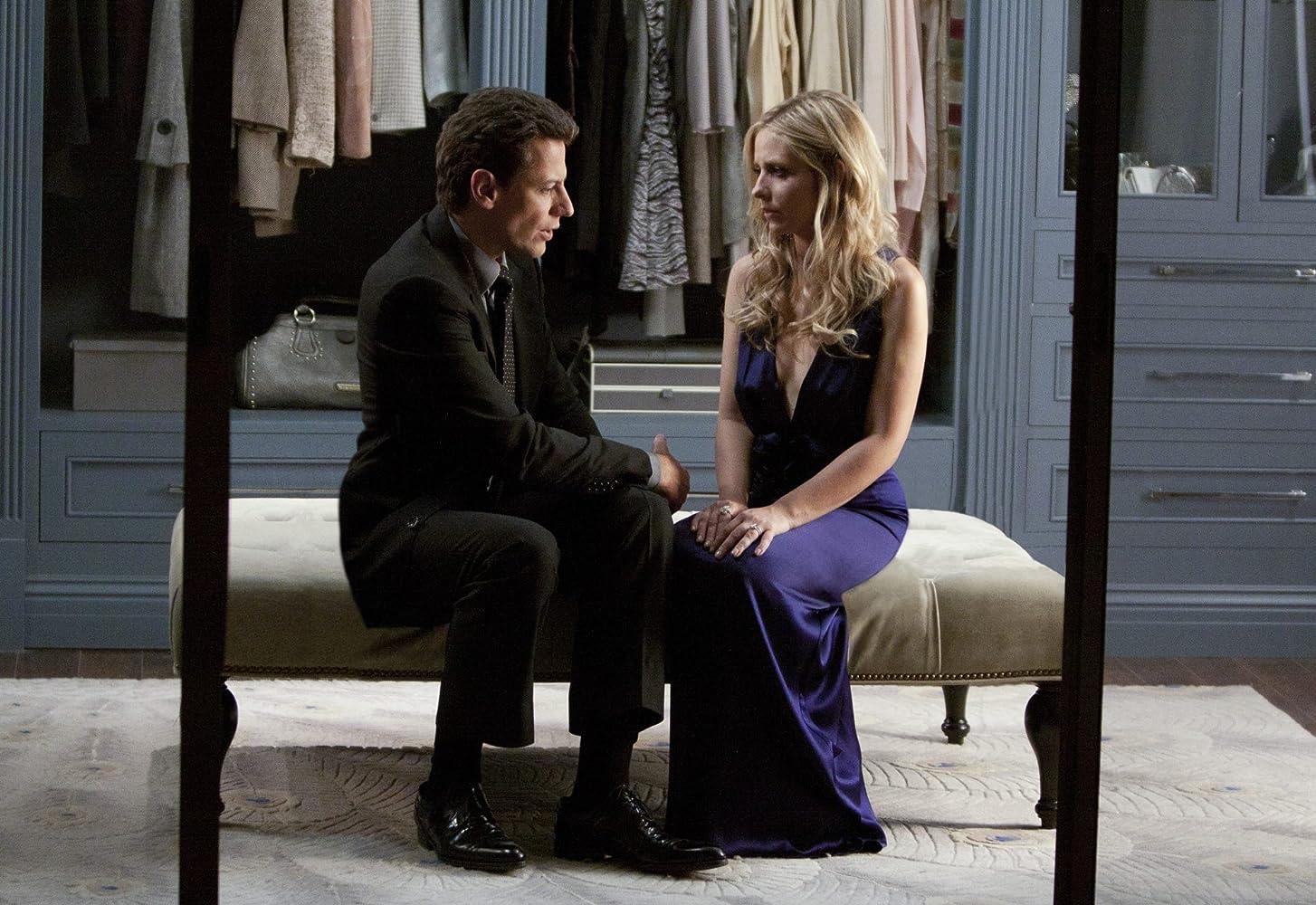 Sarah Michelle Gellar and Ioan Gruffudd in Ringer (2011)