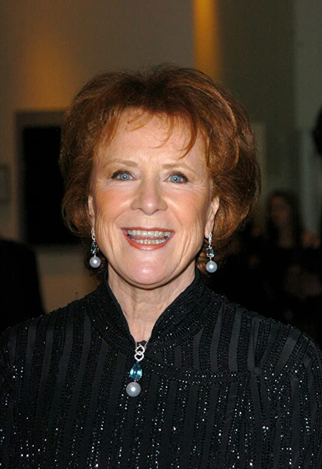 how tall is judy parfitt