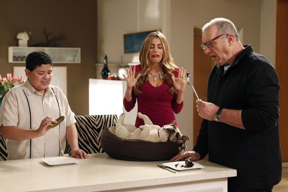 Modern Family: Message Received | Season 5 | Episode 22