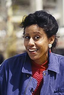 Zelda Harris 2015