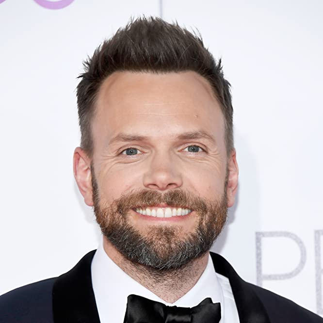 Joel McHale at an event for The 43rd Annual People's Choice Awards (2017)