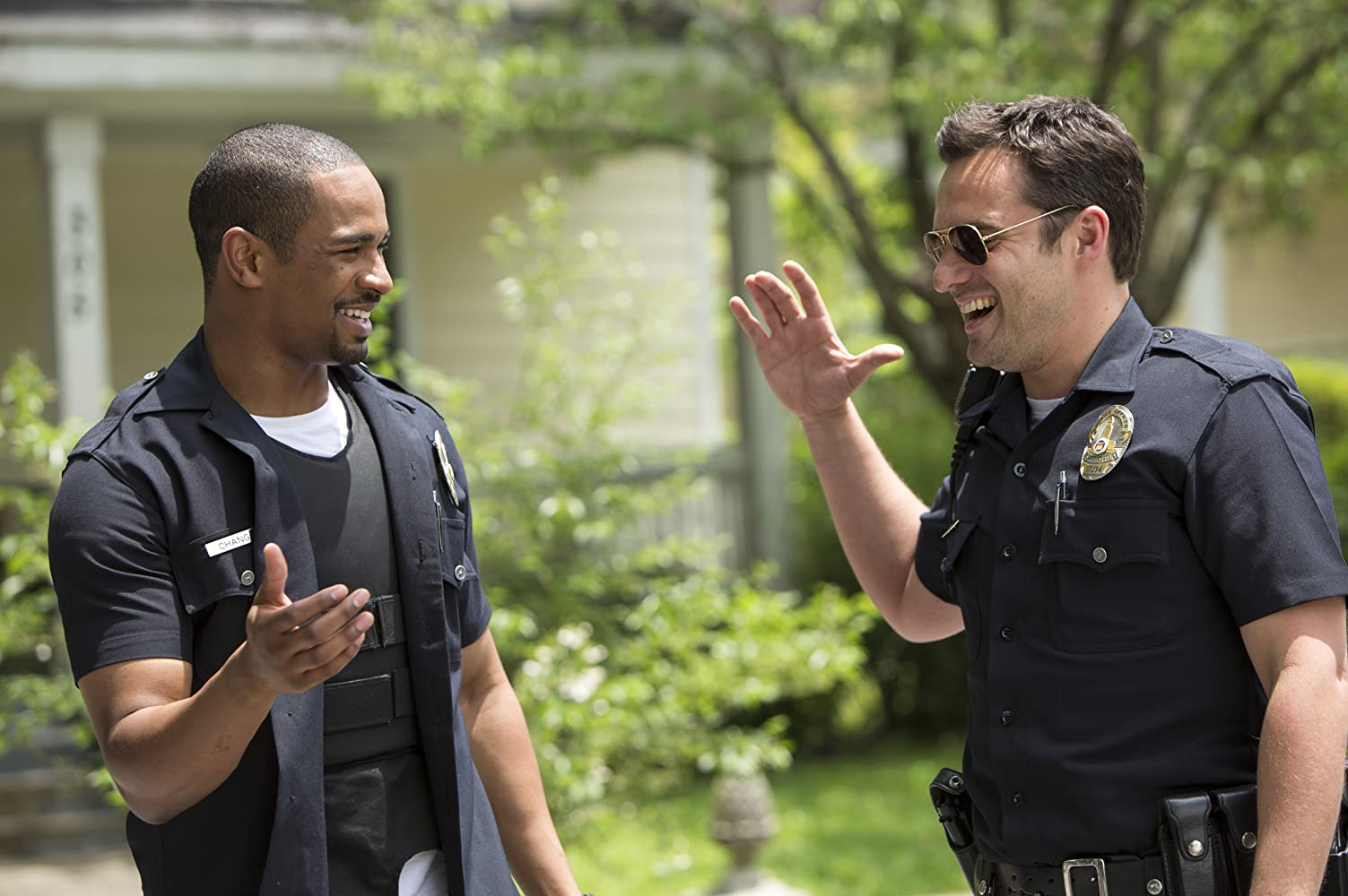 Damon Wayans Jr. and Jake Johnson in Let's Be Cops (2014)