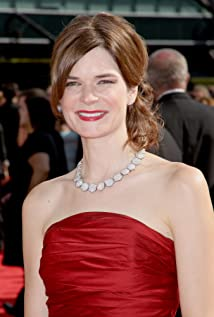 The 47-year old daughter of father Gray Brandt and mother Janet Brandt Betsy Brandt in 2020 photo. Betsy Brandt earned a  million dollar salary - leaving the net worth at  million in 2020