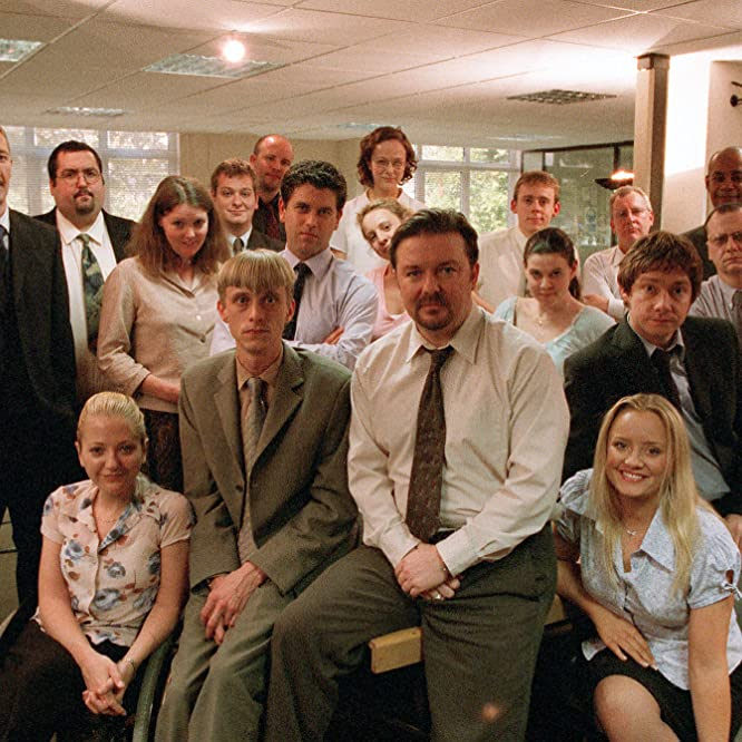 Patrick Baladi, Mackenzie Crook, Lucy Davis, Julie Fernandez, Martin Freeman, Ricky Gervais, Ralph Ineson, Ewen MacIntosh, Jane Lucas, Stacey Roca, and Howard Saddler in The Office (2001)