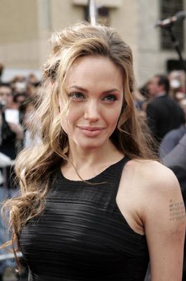 Pictures & Photos of Angelina Jolie - IMDb