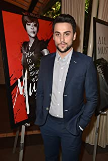 The 29-year old son of father (?) and mother(?), 178 cm tall Jack Falahee in 2018 photo