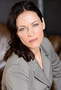 Aktori Kathryn Gould