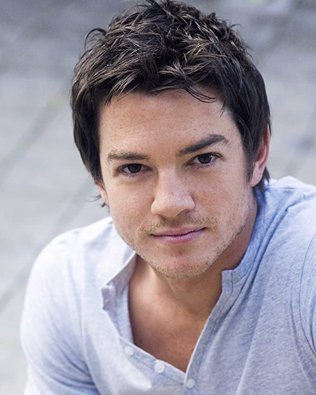 Pictures & Photos of Craig Horner - IMDb