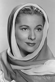 Joan Fontaine Picture