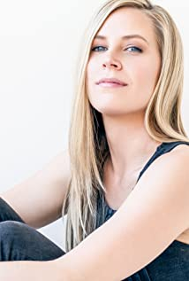 Aktori Mary Grill