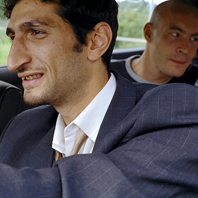 Fares Fares and Tuva Novotny in Jalla! Jalla! (2000)