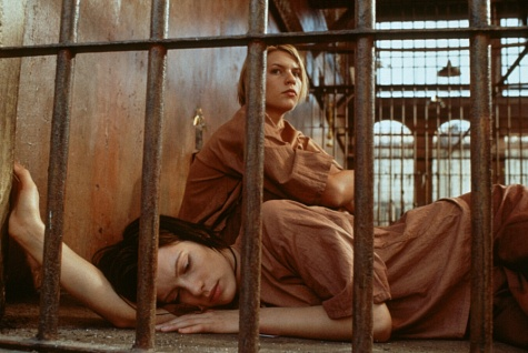 Claire Danes and Kate Beckinsale in Brokedown Palace (1999)