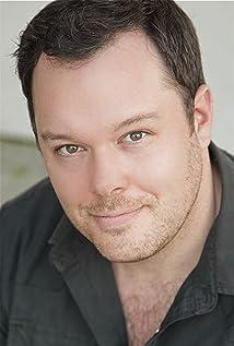 Michael Gladis Picture