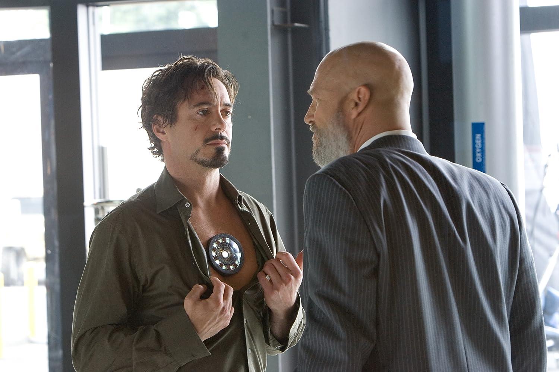 Jeff Bridges and Robert Downey Jr. in Iron Man (2008)