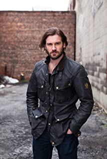 Clive Standen Picture