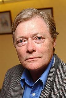 Simon Ward Picture