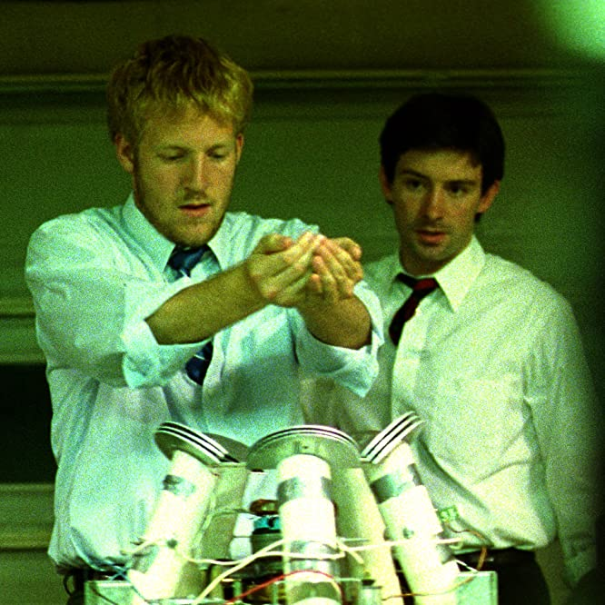 David Sullivan and Shane Carruth in Primer (2004)